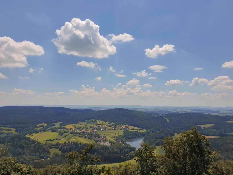 Schwarzwihrberg und Steinerne Wand - Wanderung in der Oberpfalz bei Rötz auf dem Goldsteig.