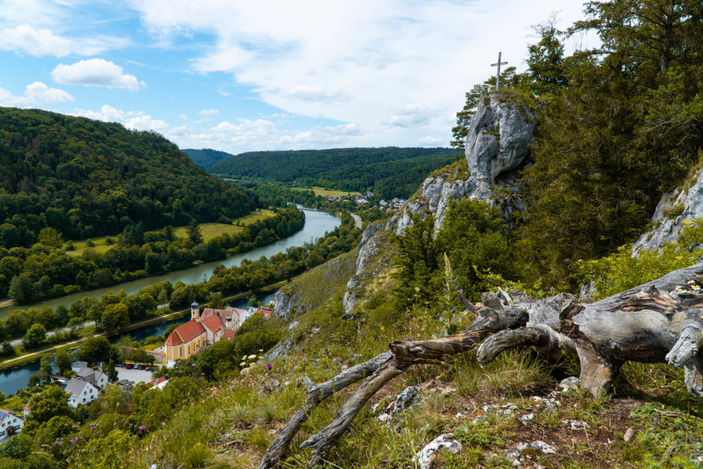 Wanderung bei Essing im Altmühltal zur Burg Randeck über den Tatzelwurm