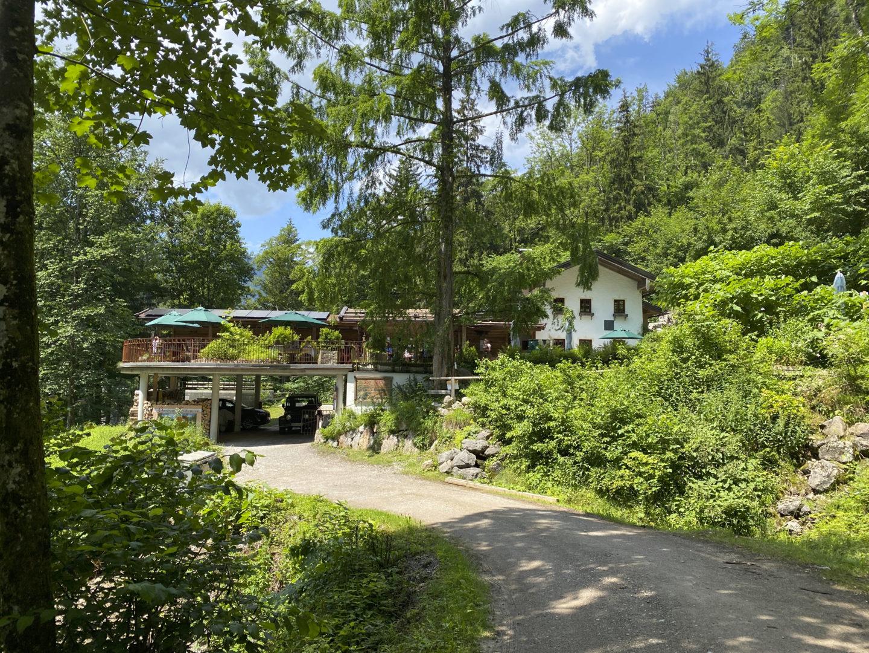 Gasthaus Klobenstein am Schmugglerweg, ein beliebtes Ausflugsziel am Chiemsee.