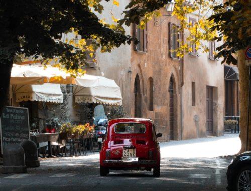 Umbrien Orvieto roter Fiat 500 Oldtimer