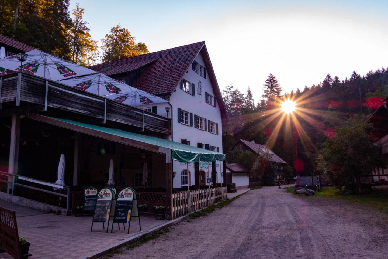 Trekking auf dem Schluchtensteig im Schwarzwald - die Schattenmühle.