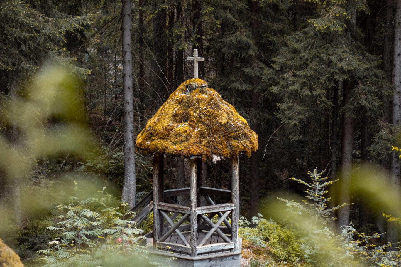 Familie im Felsenlabyrinth Luisenburg im Fichtelgebirge - Familienabenteuer im Naturpark Steinwald